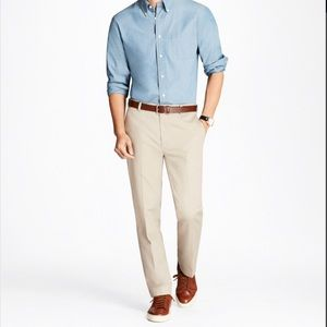 NWOT Brooks Brothers Clark Fit Lightweight Chinos
